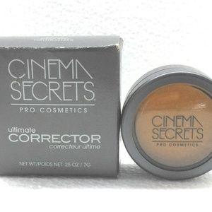 Cinema Secrets Corrector - Deep Red 2 PACK